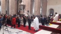 El ministro de Gobierno, Carlos Romero, saluda a miembros del Consejo de Seguridad, ayer.