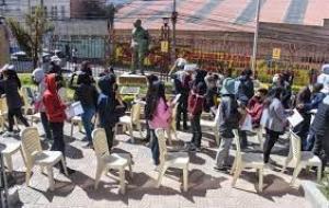 LA PAZ. El texto sobre la educación presentado ayer en la Alcaldía paceña. - Mirna Echave La Prensa