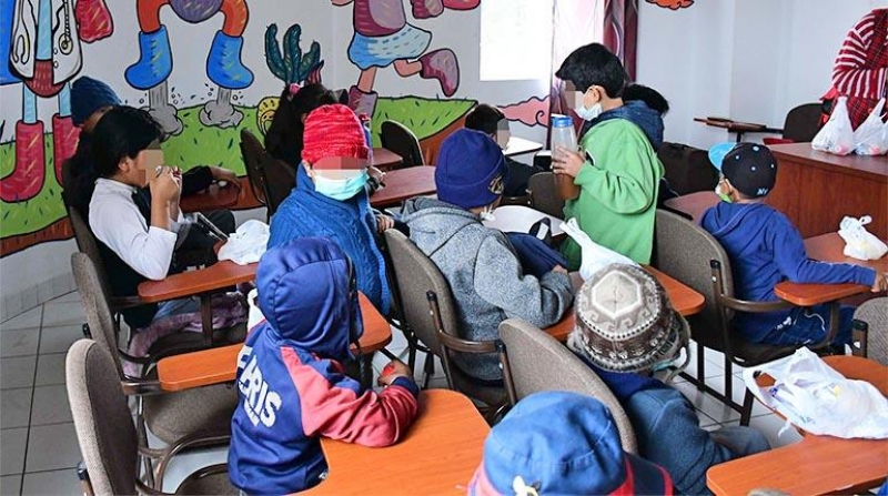 Para el viceministro Camaqui el descenso de temperaturas y la llegada del invierno al país, son factores por los cuales se incrementaron los casos de influenza en poblaciones de Santa Cruz y La Paz principalmente.